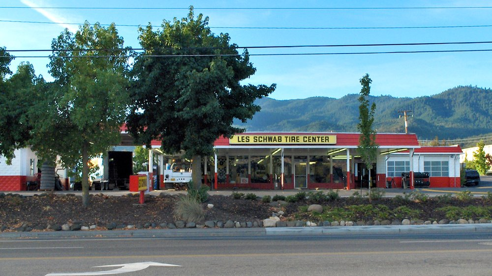 Les Schwab Tire Center: 2308 Ashland St, Ashland, OR