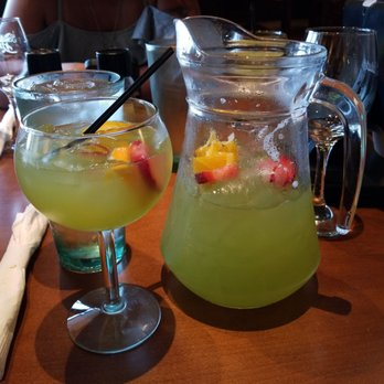 Olive garden italian restaurant 84 photos 98 reviews - Olive garden green apple sangria ...