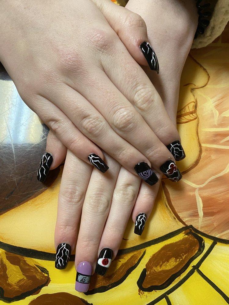 Sidney & Girlfriends Nails & Day Spa: 39 E Washington St, Martinsville, IN