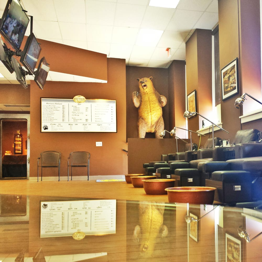 Man Cave Manassas Va : The atmosphere inside old towne man cave is well