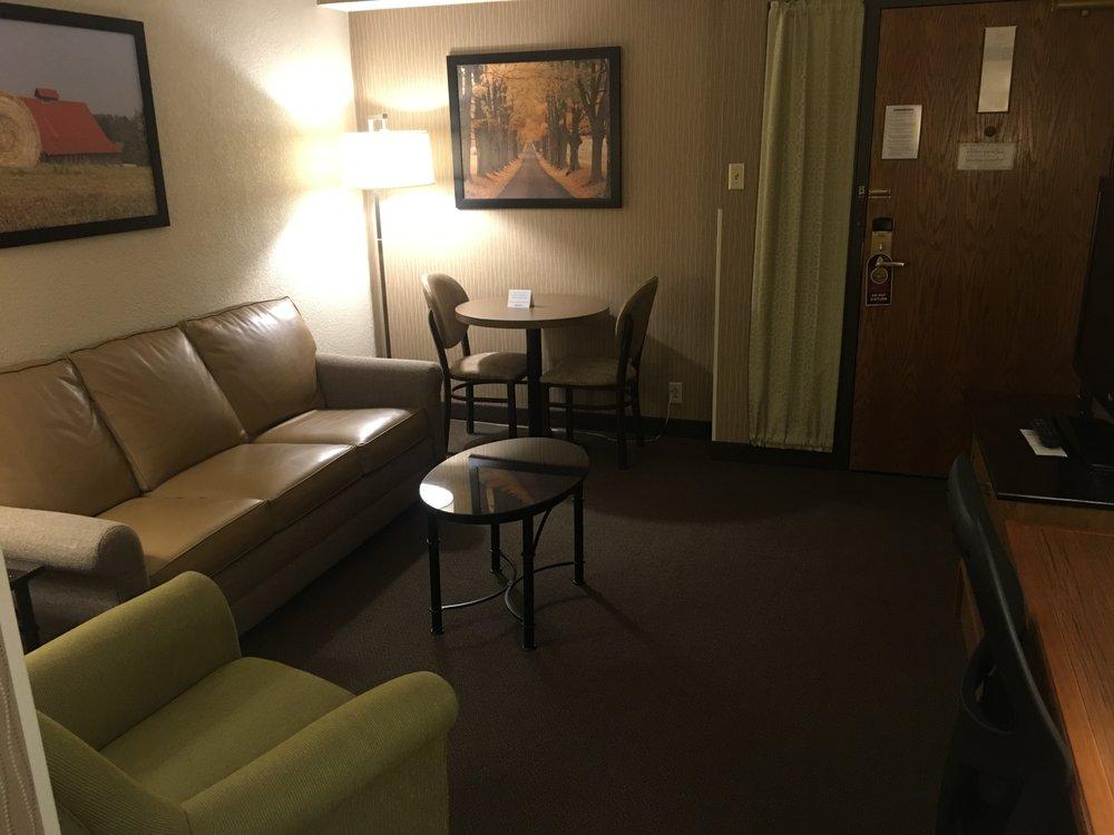 Drury Inn and Suites Paducah: 2930 James Sanders Blvd, Paducah, KY
