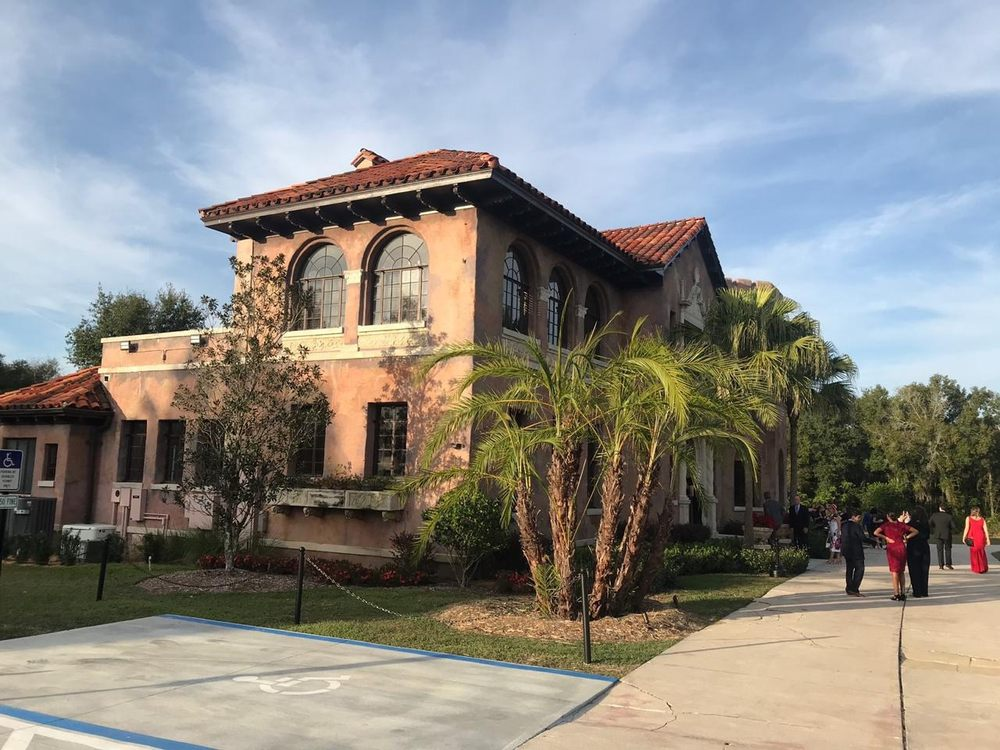 The Howey Mansion: 1001 Citrus Ave, Howey-in-the-Hills, FL