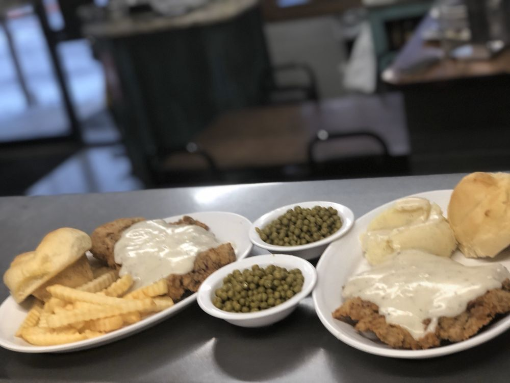 Twins Cafe: 607 Pkwy, Haileyville, OK