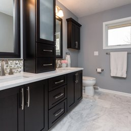 Red House Remodeling Photos Contractors Ashworth Rd - Bathroom remodeling des moines ia