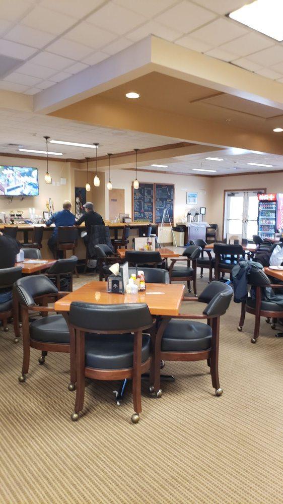 Fareways Cafe At The Woods Center: 108 Fairway Dr, Locust Grove, VA