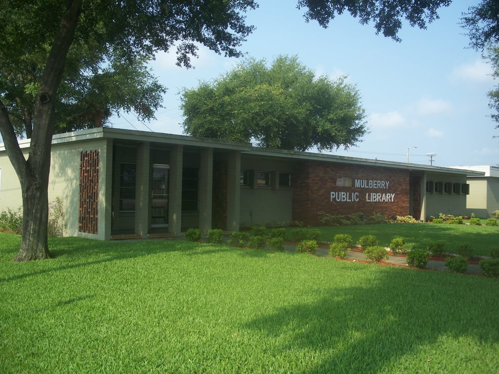 Mulberry Public Library: 905 NE 5th St, Mulberry, FL