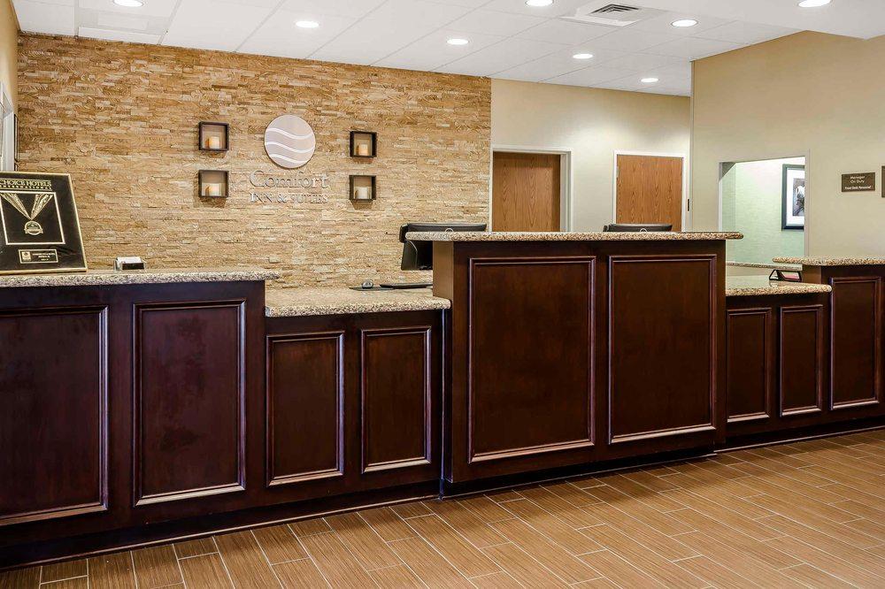 Comfort Inn & Suites Dothan East: 2227 East Main St, Dothan, AL