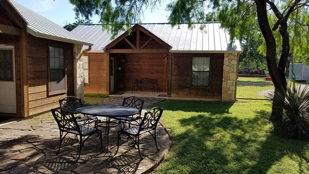 Bullwinkles Lake Cabins: 9948 Fm 1283, Lakehills, TX