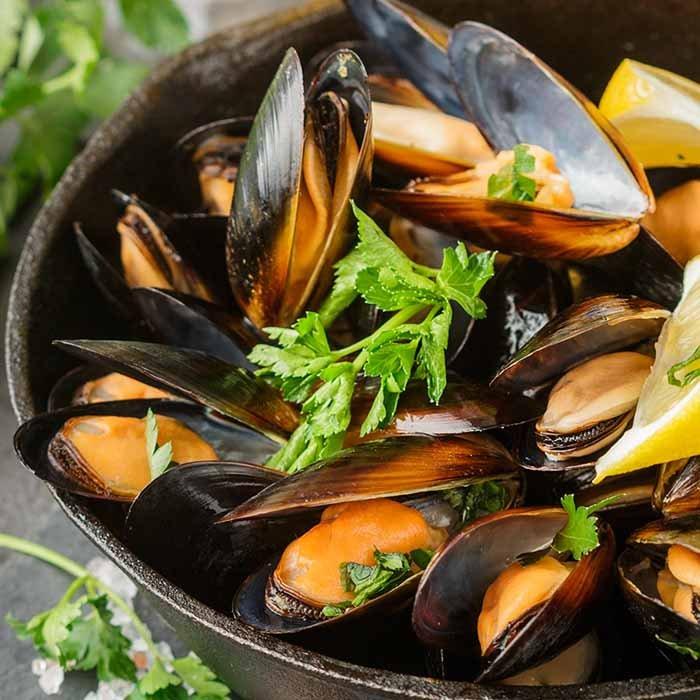 Cajun Seafood Express: 93 Guy Lombardo Ave, Freeport, NY