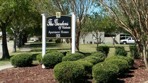 The Gardens of Victoria - Apartments - 313 Williamsburg Ave ...