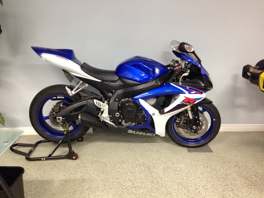 They sell motorcycles too yelp for Regan motors thousand oaks ca