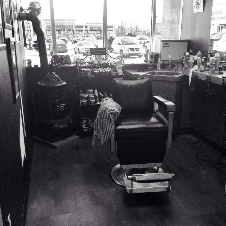 Spike's Barber Shop and Shave Parlor: 2605 S Oneida St, Green Bay, WI