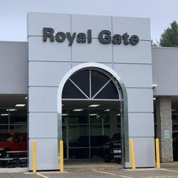 Royal Gate Chrysler Dodge Jeep Ram Of Columbia 13 Photos 14