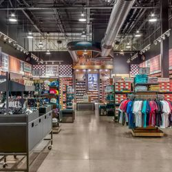 34eb72aeee Vans Outlet - 16 Photos - Shoe Stores - 5000 Arizona Mills Cir ...