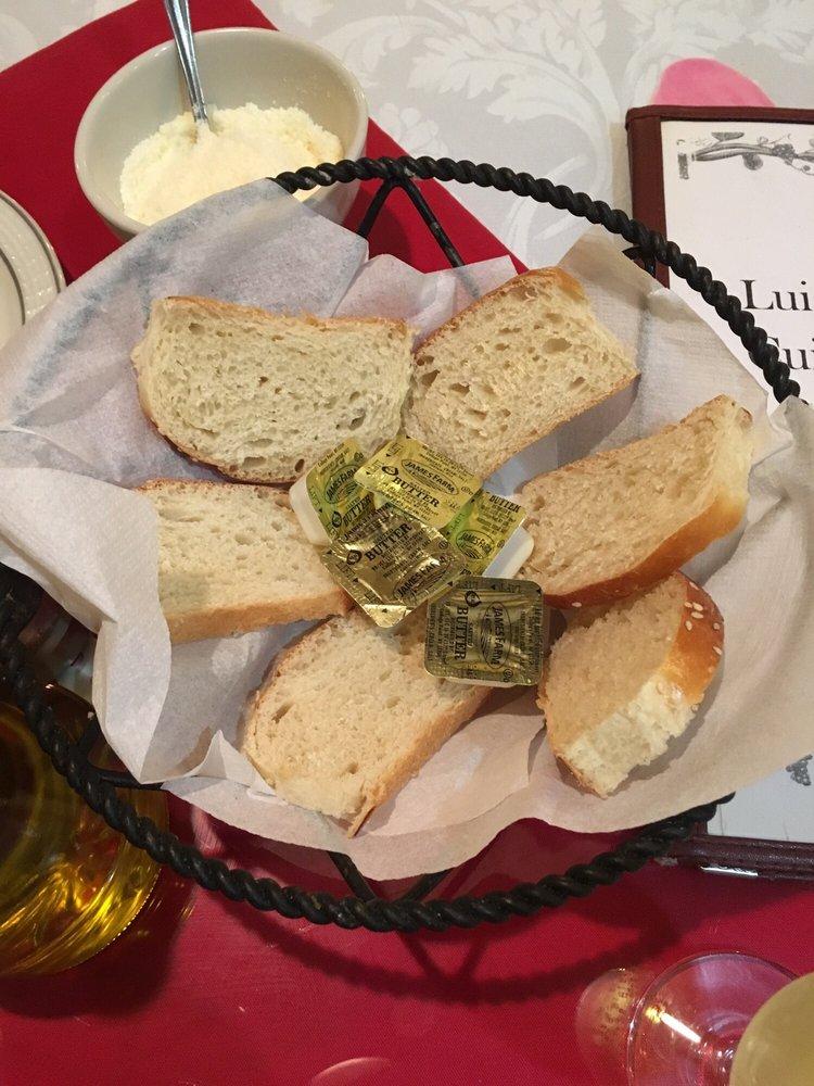 Luigis Italian Restaurant: 228 S Lake Shore Way, Lake Alfred, FL