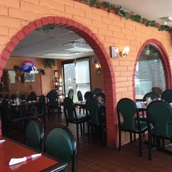 Photo Of Gino S Italian Restaurant Pizzeria Galveston Tx United States Seating