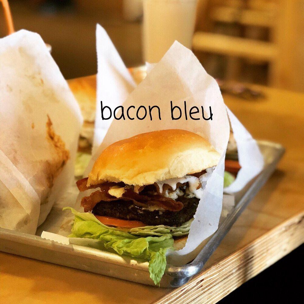 Chom Burger: 45 W 300th N, Provo, UT
