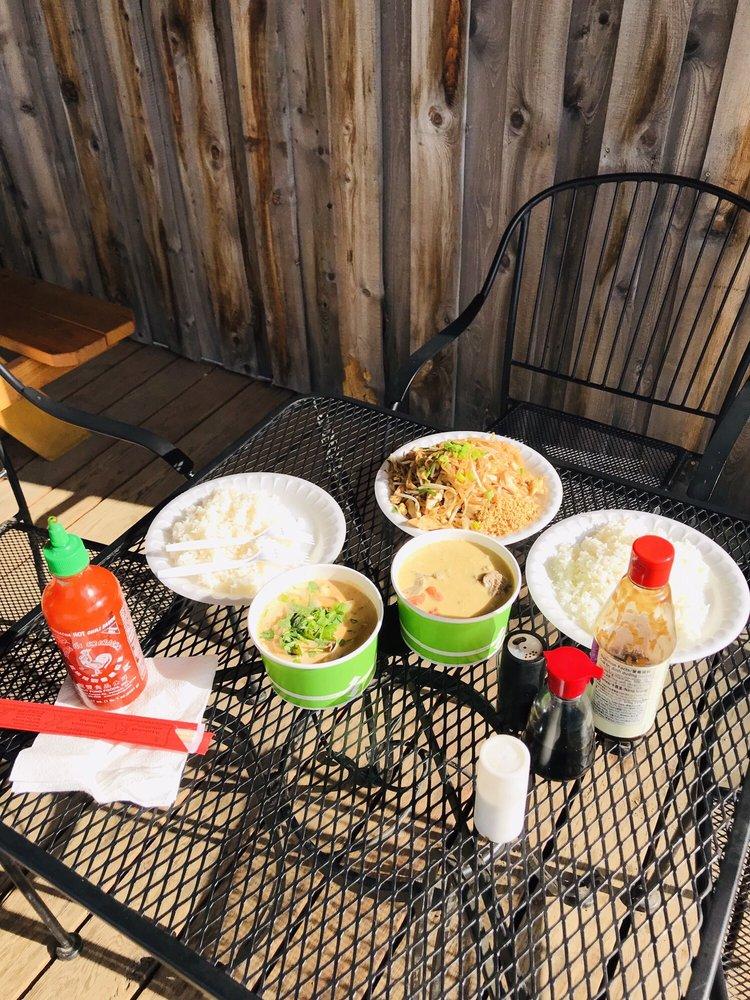 My Mom's Thai Cuisine Talkeetna: 39301 S Talkeetna Spur Rd, Talkeetna, AK