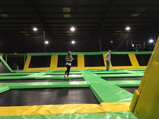max air trampoline park 229 e emory rd knoxville tn. Black Bedroom Furniture Sets. Home Design Ideas