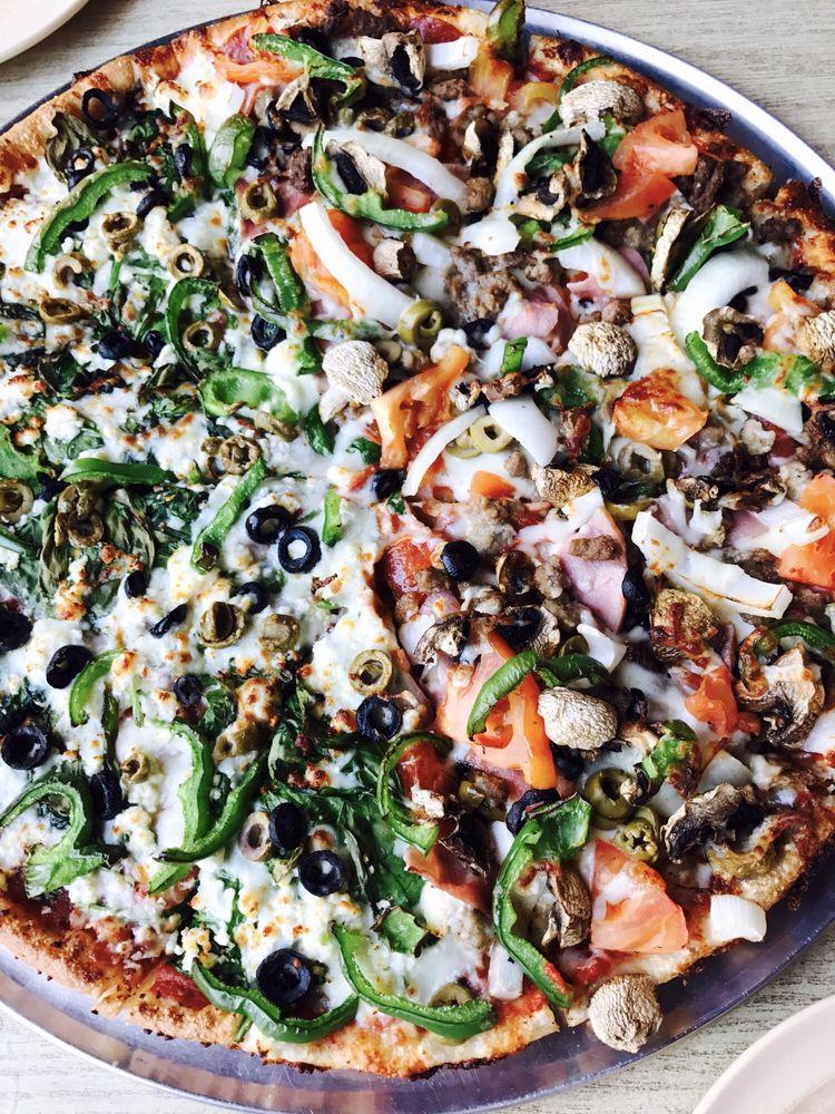 Mickey's Pizza: 1058 E Commerce St, Buffalo, TX