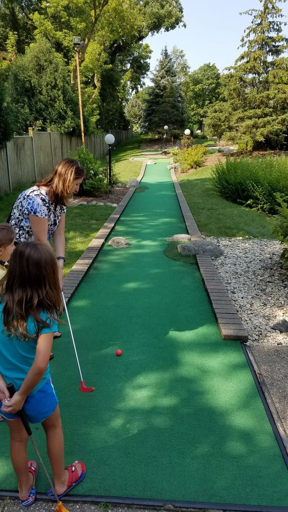 Paradise Golf Park: 511 S Wells St, Lake Geneva, WI