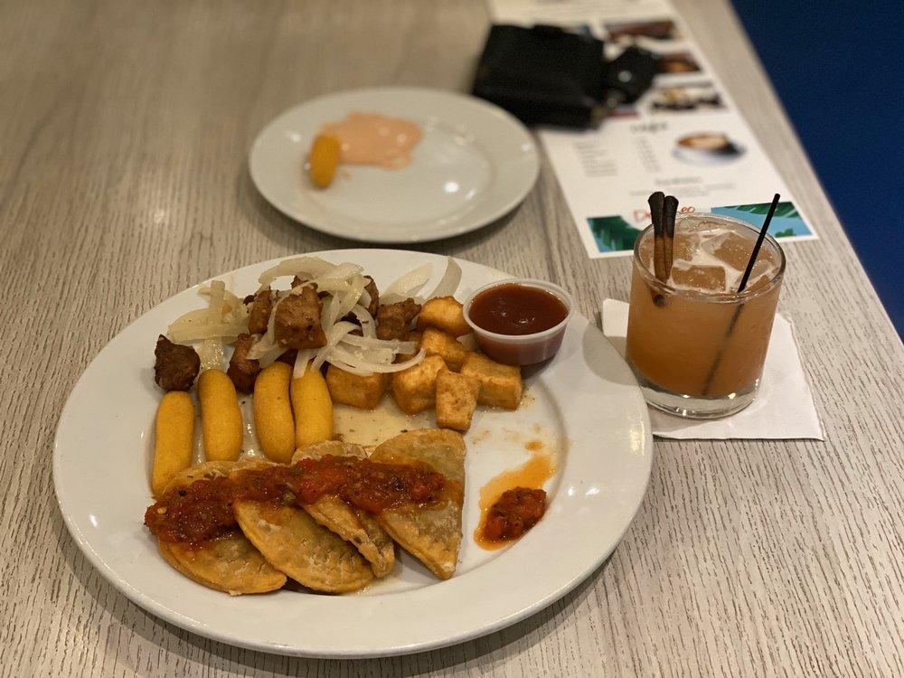 Desecheo Restaurant: Carretera 107 Km 2.9, Aguadilla, PR