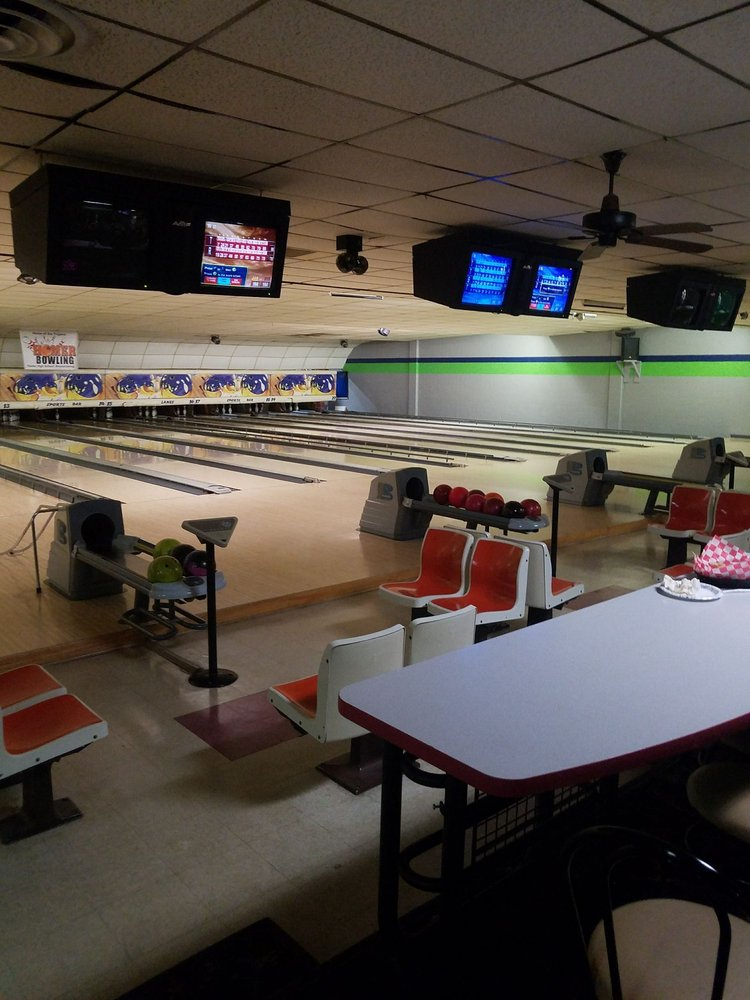 University Lanes: 16653 E Michigan Ave, Albion, MI