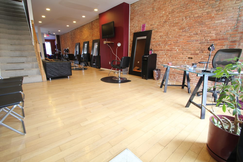 Nzuri Salon & Spa: 2435 Saint Paul St, Baltimore, MD