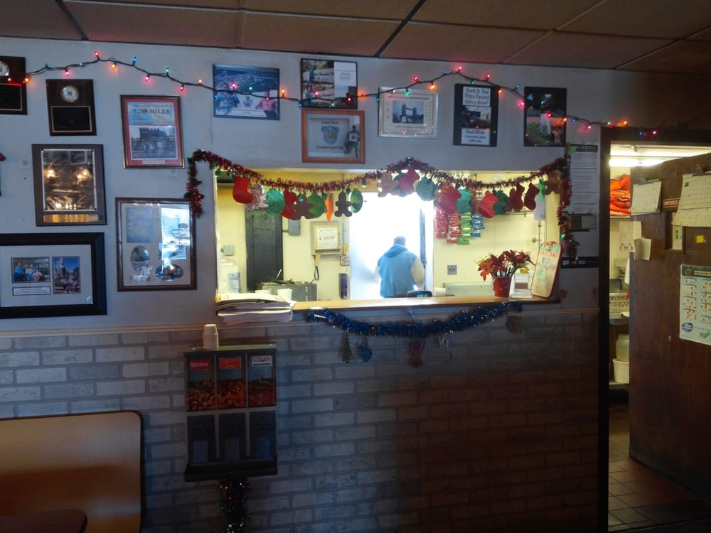Cal's Pizza Factory: 2137 Division St N, St Paul, MN