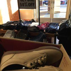 7f74d43fa1 Vans Outlet - 40 Reviews - Shoe Stores - 301 Nut Tree Rd