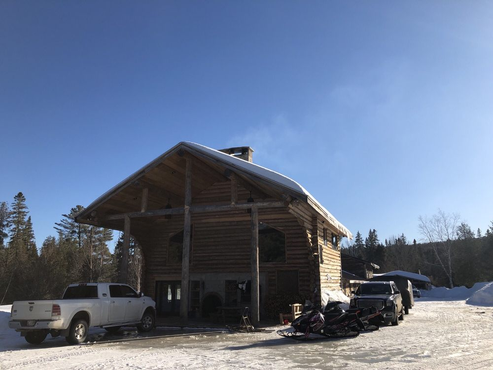 Hewes Brook Lodge: Portage, ME