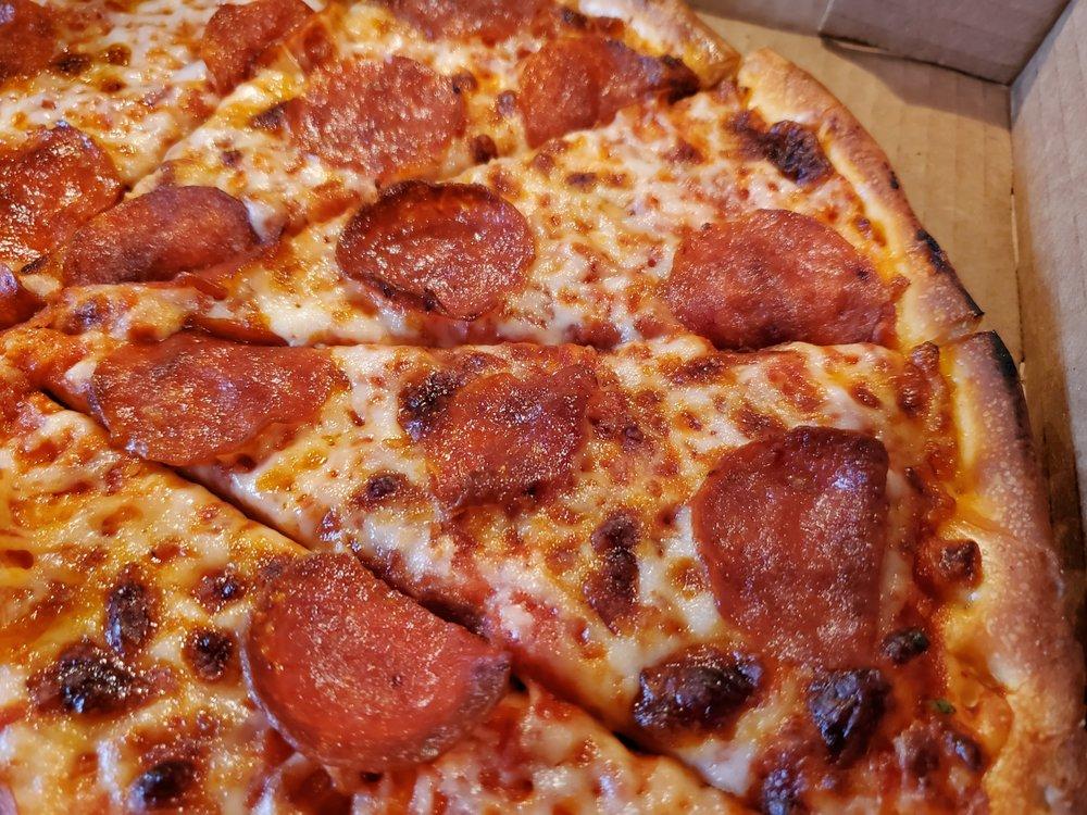 Simple Simon's Pizza: 56 Yukon Way, Farmington, AR