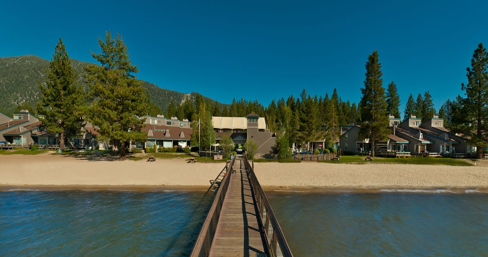 Aston Lakeland Village Beach & Mountain Resort