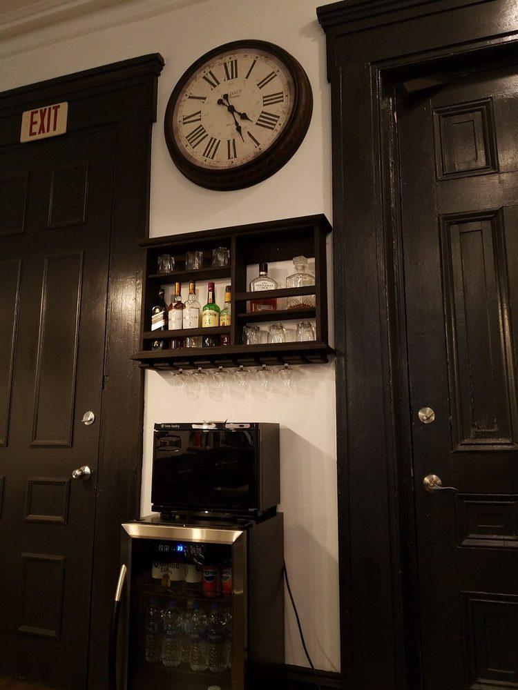 Barbers & Gents: 1114 Pine St, Philadelphia, PA