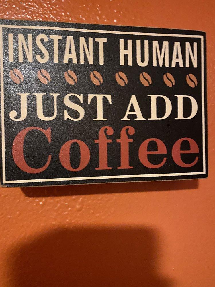 Odd Cuples Cafe: 117 W Belt Ave, Bushnell, FL