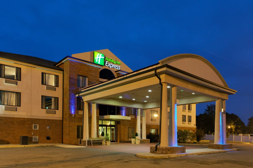 Holiday Inn Express & Suites Sylacauga: 40743 US 280, Sylacauga, AL