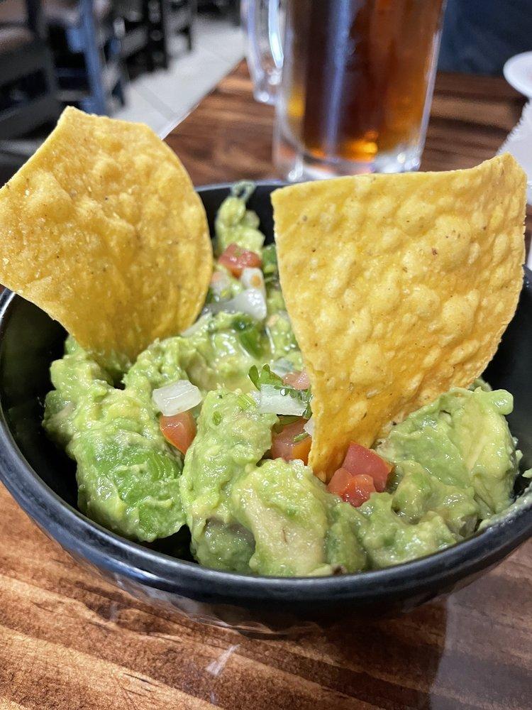 El Nuevo Tequila Mexican Restaurant: 1030 W New Bern Rd, Kinston, NC