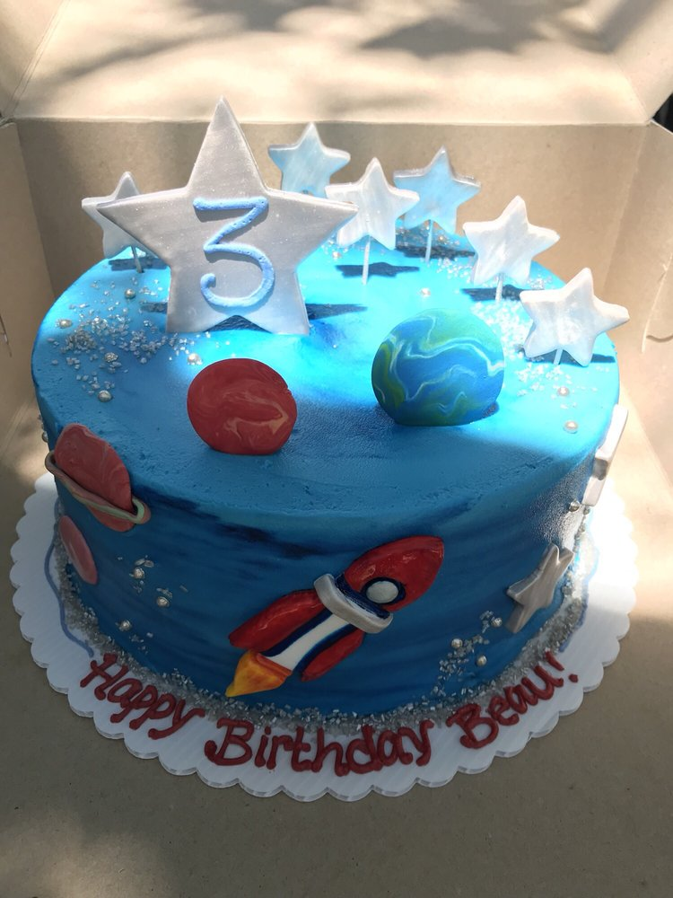 Amazing Space Themed Birthday Cake Delicious Too Yelp