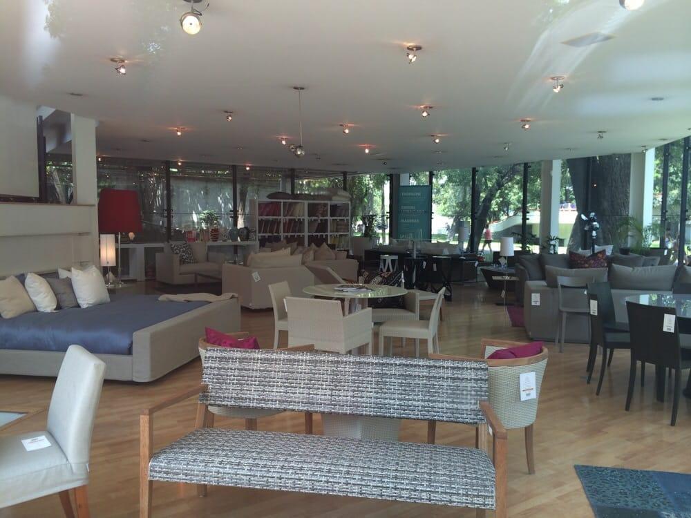 Moda in casa tienda de muebles plaza duendes calzada for Casa garcia muebles