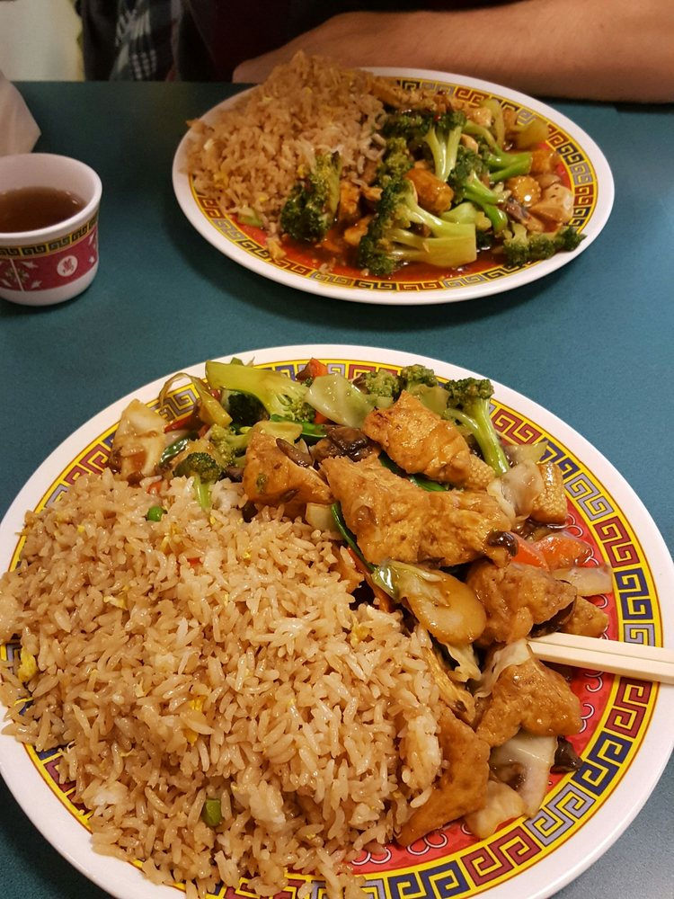 Lee s china kitchen 28 reviews chinese 65 e state st for Asian cuisine columbus ohio