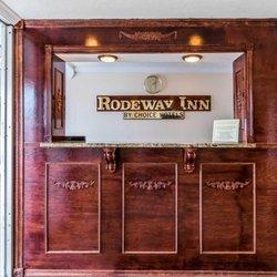 Rodeway Inn - 27 Photos - Hotels - 2923 Fort Campbell Blvd