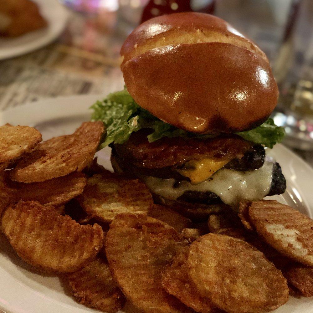 Boonies Bar & Grill: 3301 Millersburg Blvd, Faribault, MN
