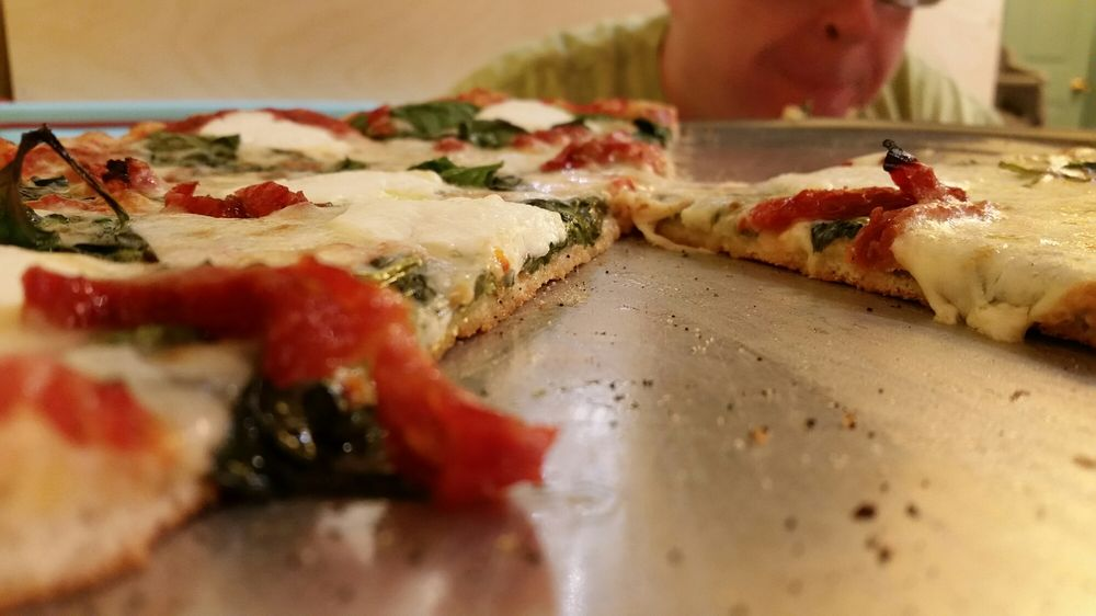 Boomerang Pizza: 5227 Willing St, Milton, FL
