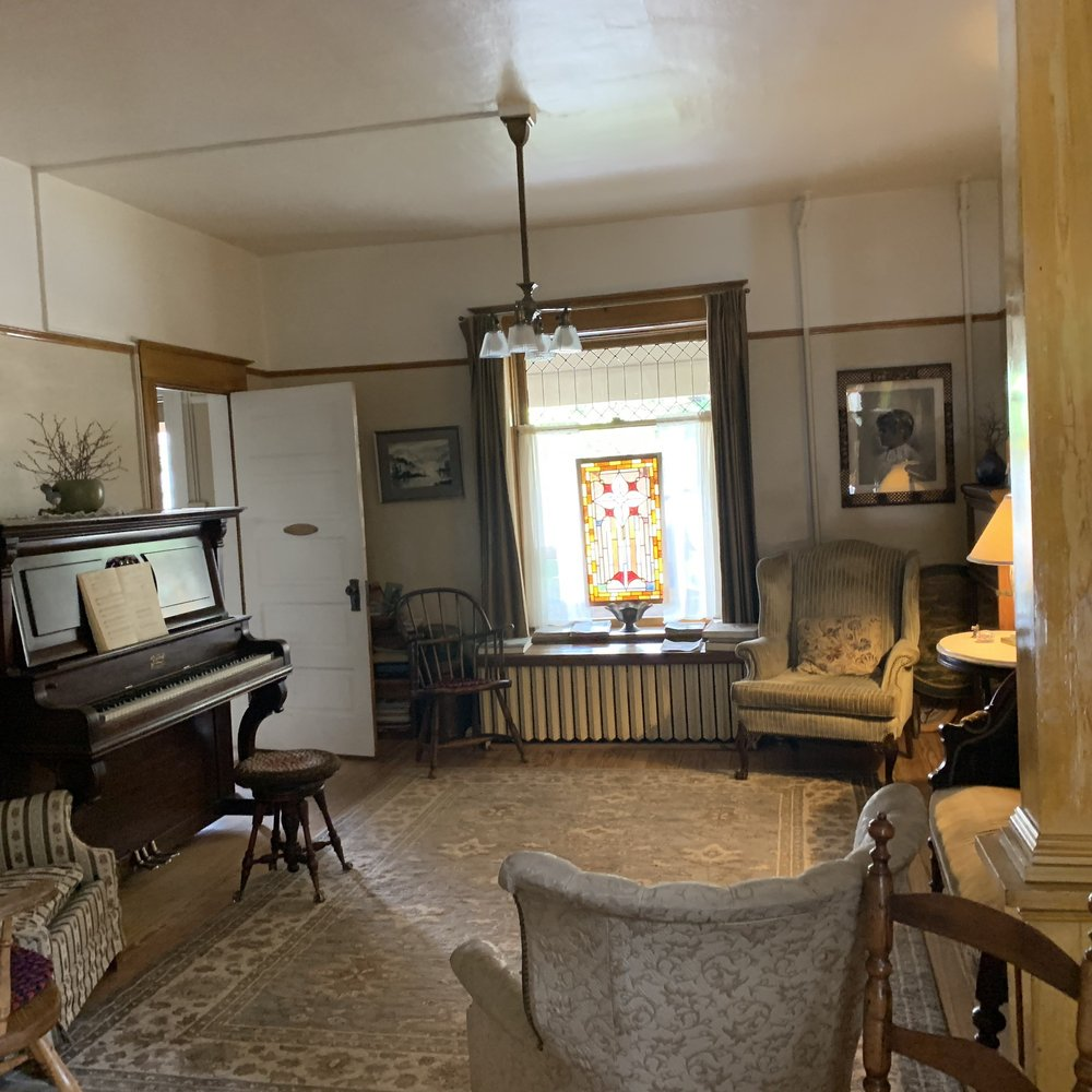 The 1899 B&B Inn: 314 S Main St, La Veta, CO