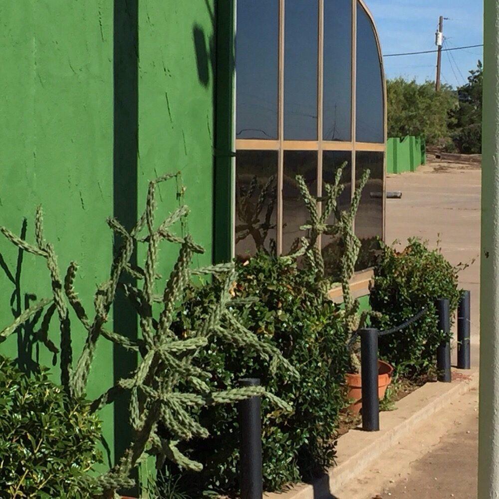 Familias Mexican Restaurant: 2600 W Walker St, Breckenridge, TX