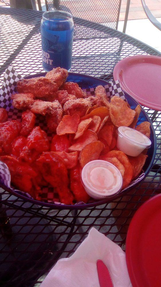 Legendz Sports Bar & Grill: 8695 W Jack Carnes Way, French Lick, IN