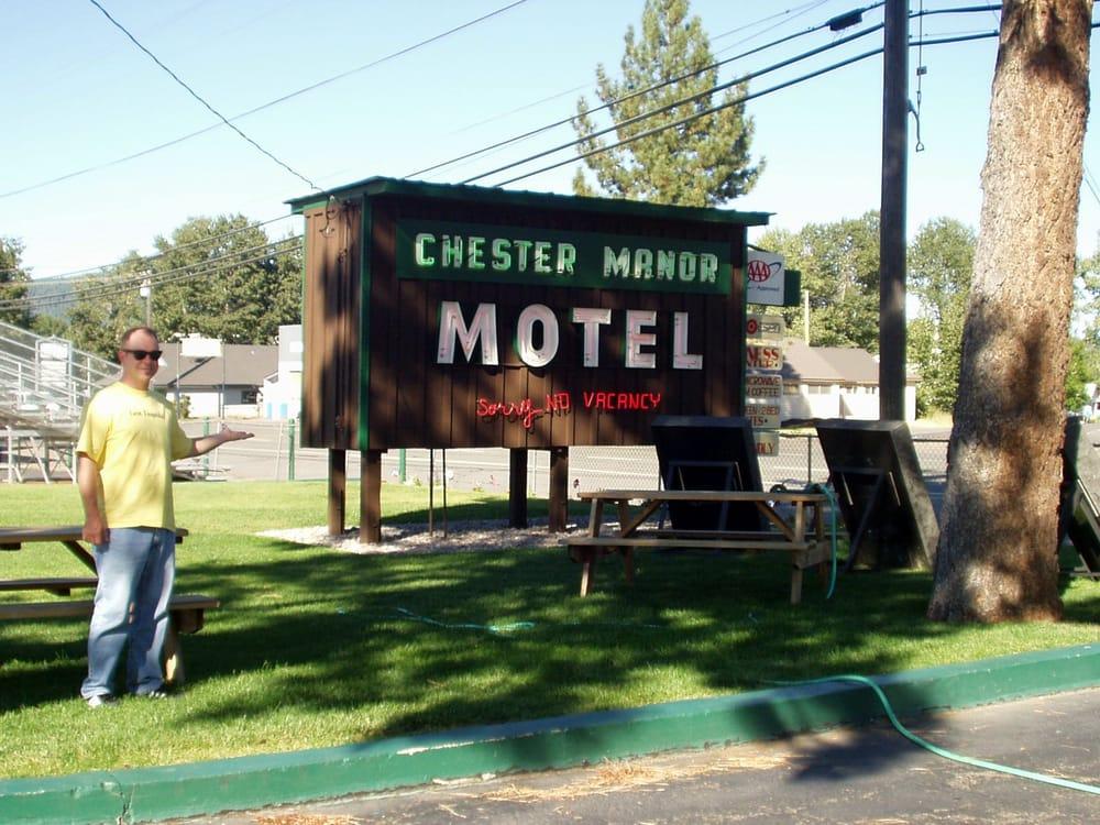 Chester Manor Motel: 306 Main St, Chester, CA