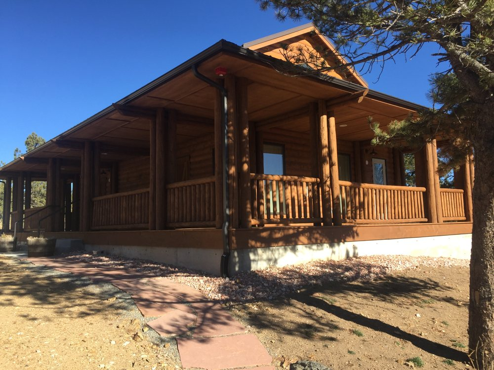 Ranchstead Inn at Rocky Mountain Pathways Ranch: 15747 State Highway 7, Lyons, CO