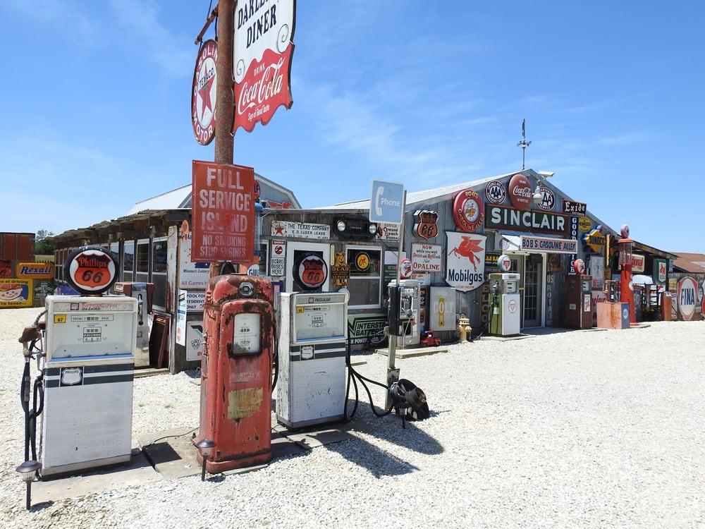 Bob's Gasoline Alley: 822 Beamer Ln, Cuba, MO