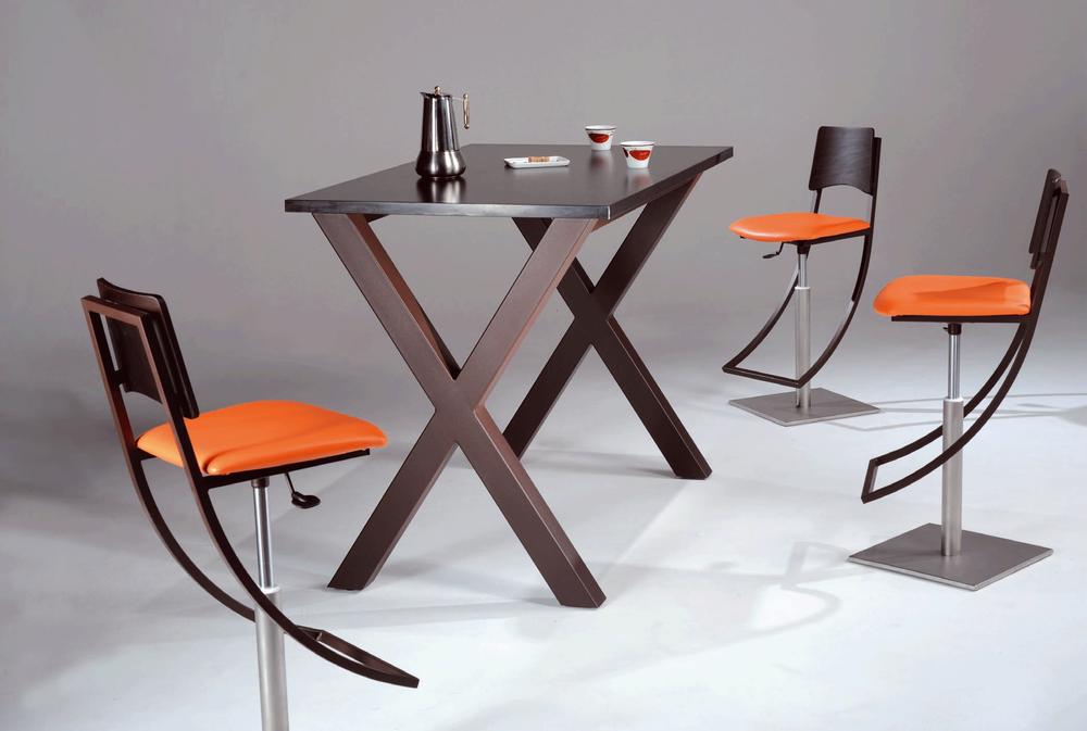 tables et chaises magasin de meuble centre chateau roussillon perpignan pyr n es. Black Bedroom Furniture Sets. Home Design Ideas